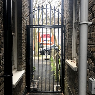 Decorative Arched Security Bar Gate for Garden Side Entrance